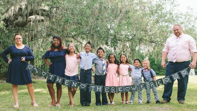 7 siblings adopted together after spending years in foster care