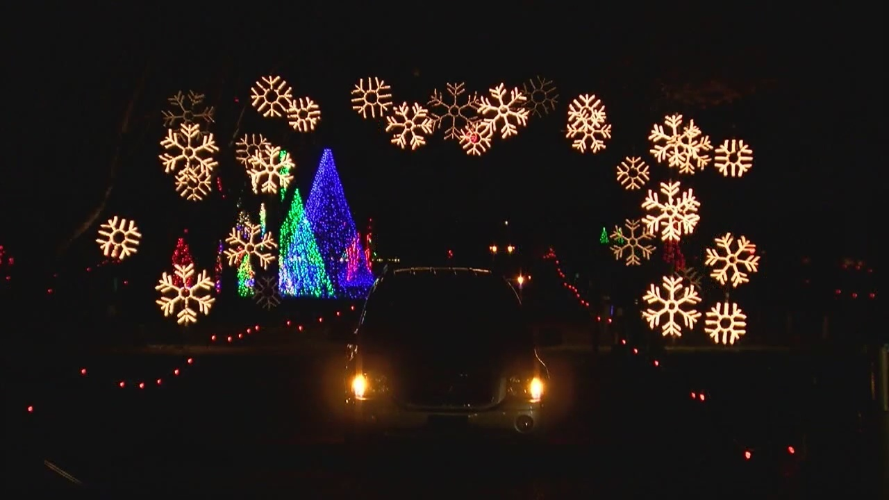 popular annual lights show at jellystone park wont happen this year - Jellystone Park Nashville Christmas Lights