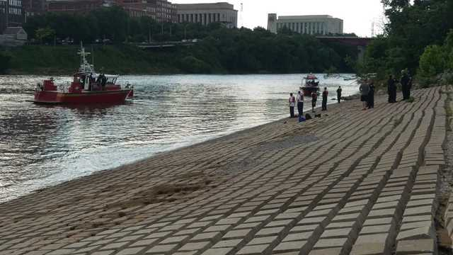 Homeless woman apparently swimming when she drowned in Cumberland River