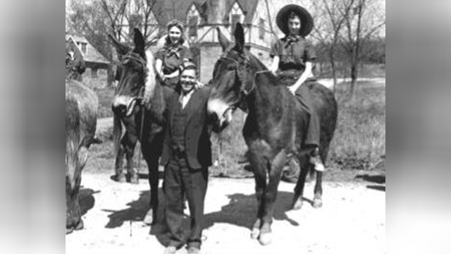 Mule Day 1939 image 13