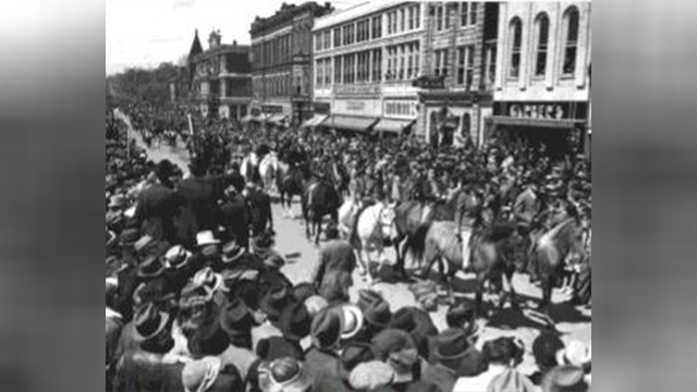 Mule Day 1939 image 6