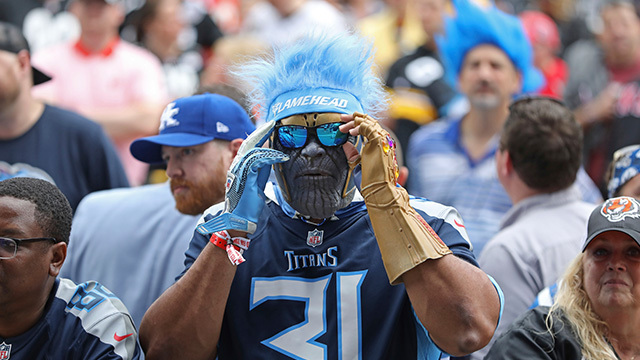 crazy fan titans_1556306537637.jpg.jpg