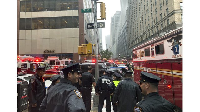 Fire department: Helicopter crash reported in Manhattan; Pilot killed